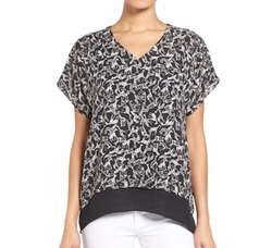Chaus - Giraffe Print V-Neck Top