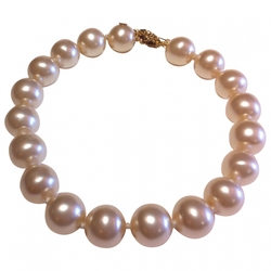 Chanel - White Pearl Necklace