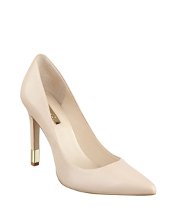 Guess - Babbitta Pointed Toe Leather Pumps