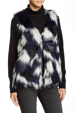 Romeo & Juliet Couture  - Faux Fur Vest