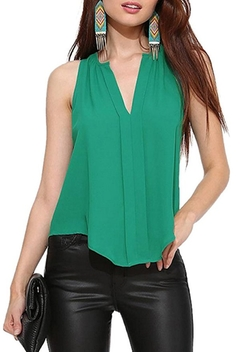 Lingswallow - V Neck Slim Fit Sleeveless Blouse