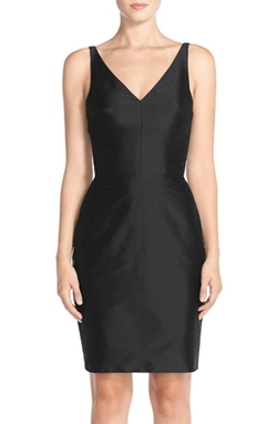 Monique Lhuillier Bridesmaids  - V-Neck Taffeta Sheath Dress