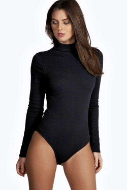 Boohoo  - Lola Turtle Neck Rib Long Sleeve Bodysuit