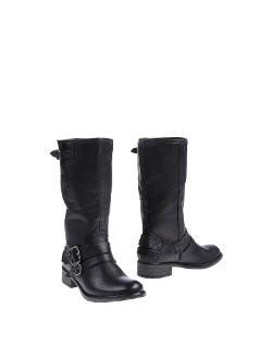 MTNG - Flat Boots