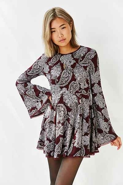 Ecote - Sascha Bell Sleeve Dress