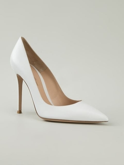 Gianvito Rossi - Pointed Toe Pumps