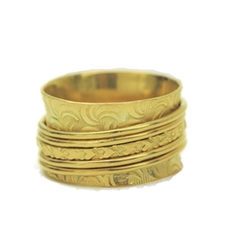 Auralee & Company - Wide Band Hearts Spinner Ring