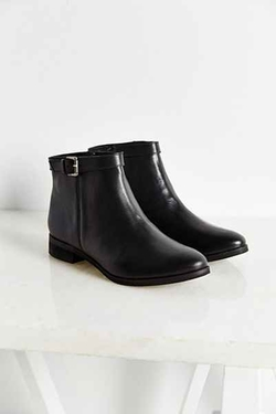Urban Outfitters - Della Side Buckle Boot