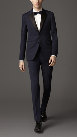 Burberry - Modern Fit Virgin Wool Tuxedo