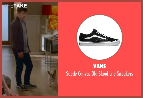 Vans black sneakers from Modern Family seen with  Luke Dunphy (Nolan Gould)