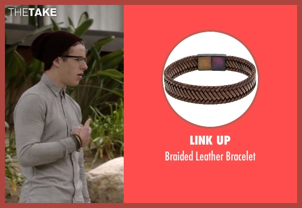 Link Up brown bracelet from Modern Family seen with  Luke Dunphy (Nolan Gould)