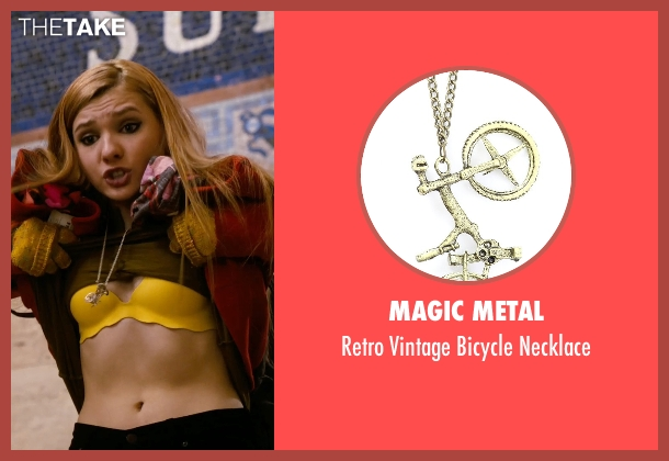 Magic Metal necklace from New Year's Eve seen with Abigail Breslin (Hailey)
