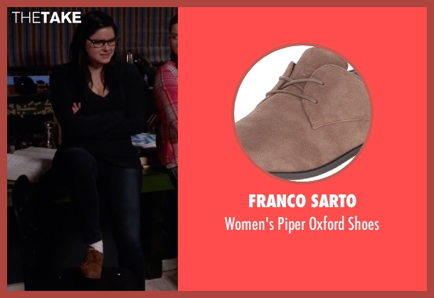 Franco Sarto brown shoes from Modern Family seen with Alex Dunphy  (Ariel Winter)