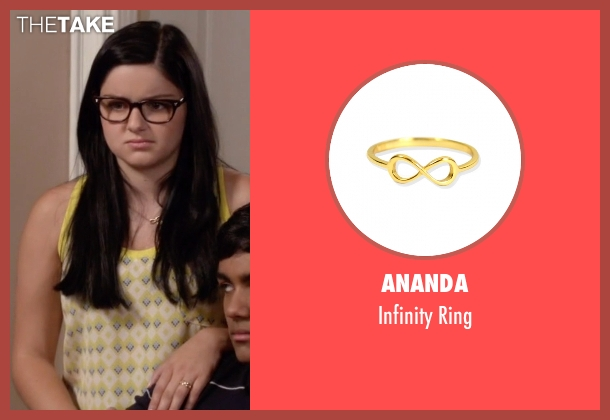 Ananda gold ring from Modern Family seen with Alex Dunphy  (Ariel Winter)