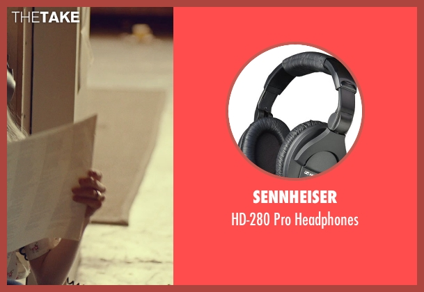 Sennheiser black headphones from While We're Young seen with Amanda Seyfried (Darby)