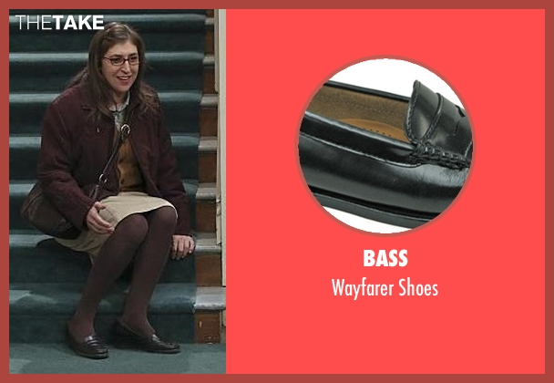 Bass black shoes from The Big Bang Theory seen with Amy Farrah Fowler (Mayim Bialik)