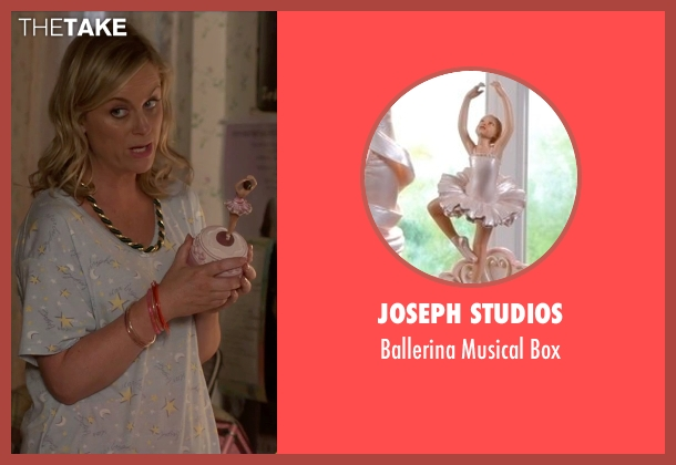 Joseph Studios box from Sisters seen with Amy Poehler (Maura Ellis)