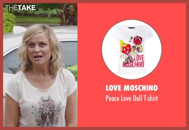 Etre Cecile white t-shirt from Sisters seen with Amy Poehler (Maura Ellis)