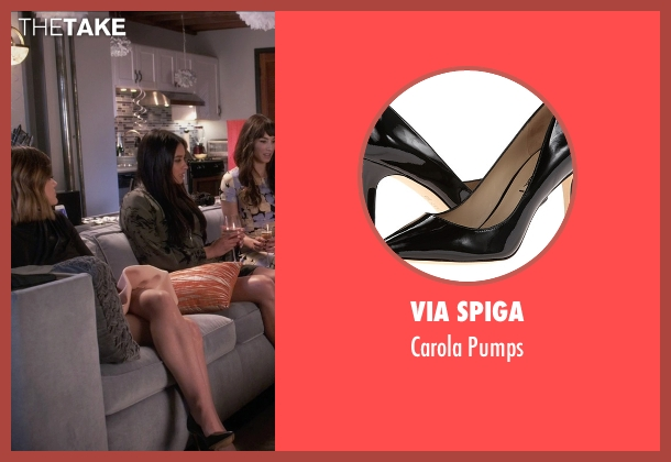 Via Spiga black pumps from Pretty Little Liars seen with Aria Montgomery (Lucy Hale)