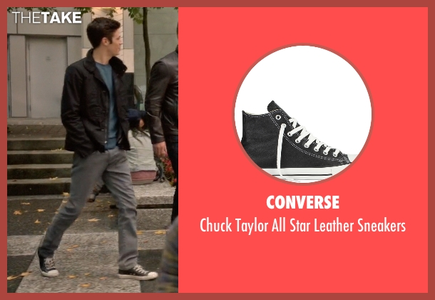 Converse black sneakers from Arrow seen with Barry Allen / The Flash / Bartholomew Allen (Grant Gustin)