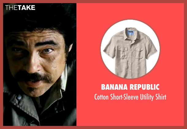 Banana Republic beige shirt from Savages seen with Benicio Del Toro (Lado)