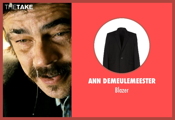 Ann Demeulemeester black blazer from Savages seen with Benicio Del Toro (Lado)