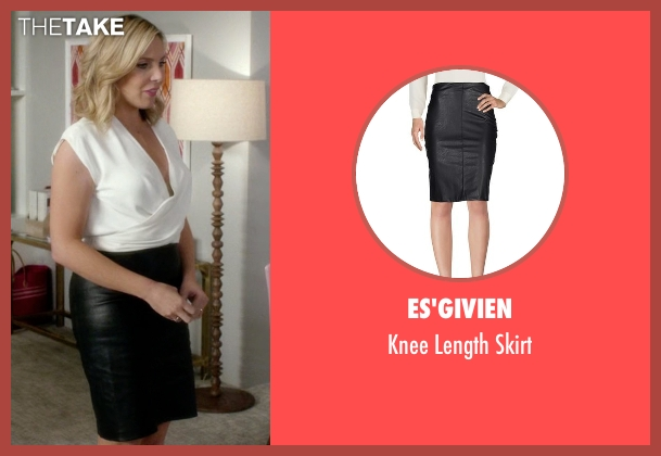 Es'givien black skirt from Grace and Frankie seen with Brianna Hanson (June Diane Raphael)
