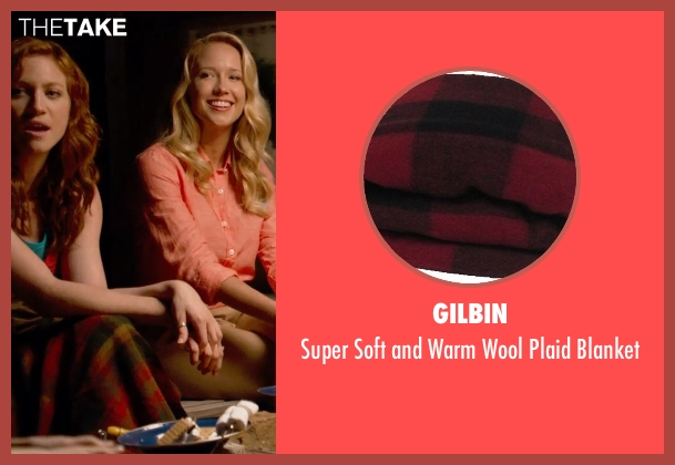 Gilbin blanket from Pitch Perfect 2 seen with Brittany Snow