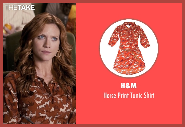 H&M orange shirt from Pitch Perfect seen with Brittany Snow (Chloe)