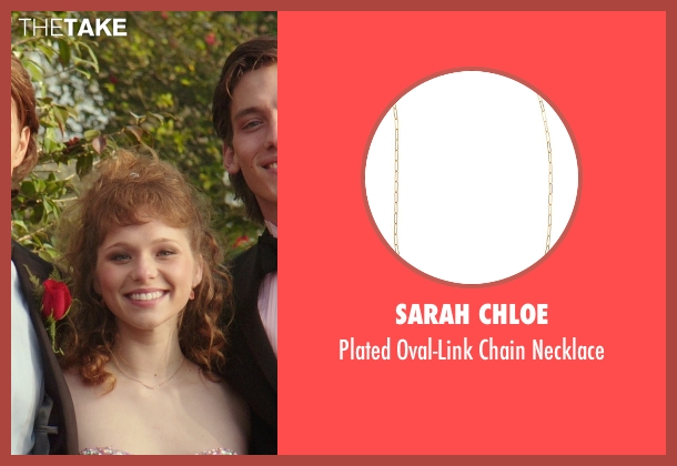 Sarah Chloe gold necklace from The Best of Me seen with Caroline Hebert (Unknown Character)