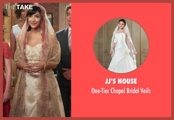 JJ's House veils from New Girl seen with Cece Parekh (Hannah Simone)