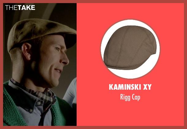 Kaminski XY beige cap from Scream Queens seen with Chad Radwell (Glen Powell)