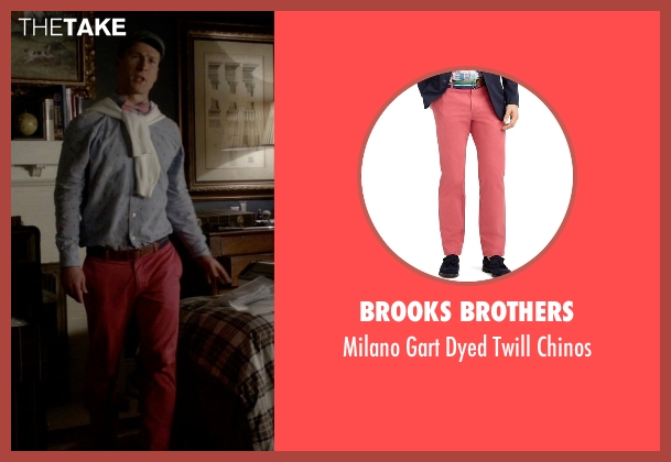 Brooks Brothers pink chinos from Scream Queens seen with Chad Radwell (Glen Powell)