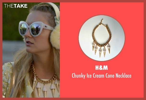 H&M necklace from Scream Queens seen with Chanel #3 (Billie Lourd)
