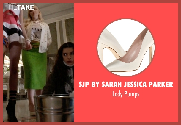 SJP by Sarah Jessica Parker white pumps from Scream Queens seen with Chanel #5 (Abigail Breslin)