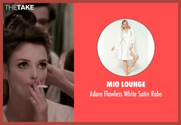 Mio Lounge white robe from Yves Saint Laurent seen with Charlotte Le Bon (Victoire Doutreleau)