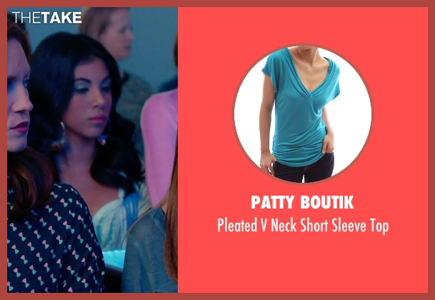 Patty Boutik green top from Pitch Perfect 2 seen with Chrissie Fit (Flo)