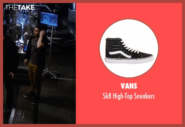 Vans black sneakers from The Flash seen with Cisco Ramon / Reverb (Carlos Valdes)
