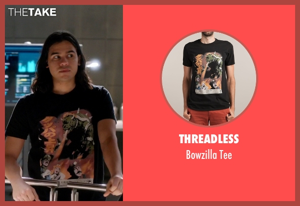 Threadless black tee from The Flash seen with Cisco Ramon / Reverb (Carlos Valdes)