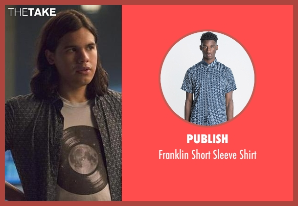 Publish blue shirt from The Flash seen with Cisco Ramon / Reverb (Carlos Valdes)
