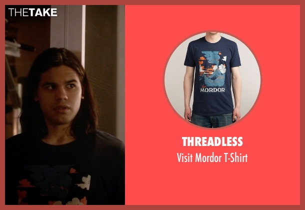 Threadless blue t-shirt from The Flash seen with Cisco Ramon / Reverb (Carlos Valdes)