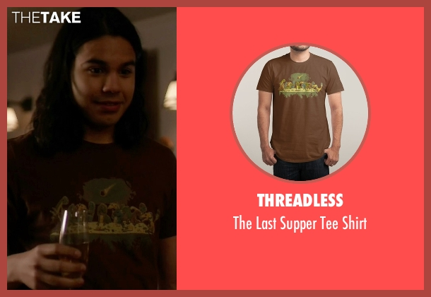 Threadless brown shirt from The Flash seen with Cisco Ramon / Reverb (Carlos Valdes)