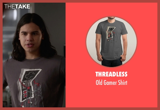 Threadless gray shirt from The Flash seen with Cisco Ramon / Reverb (Carlos Valdes)