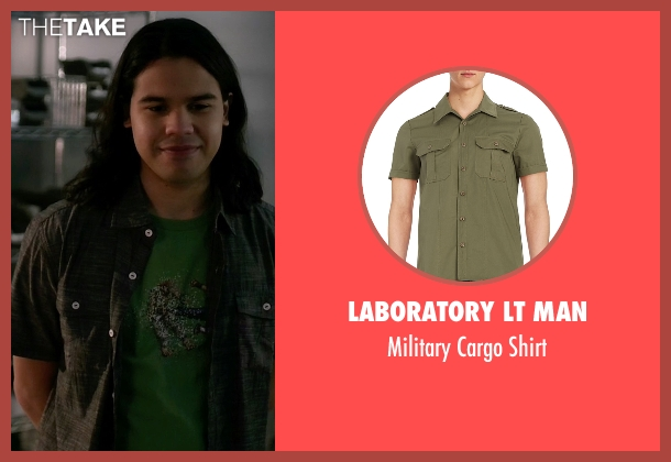 Laboratory LT Man green shirt from The Flash seen with Cisco Ramon / Reverb (Carlos Valdes)