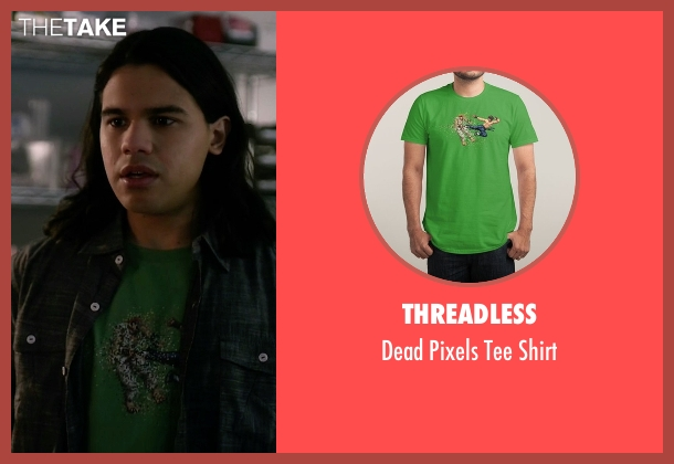 Threadless green shirt from The Flash seen with Cisco Ramon / Reverb (Carlos Valdes)