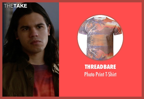 Threadbare orange t-shirt from The Flash seen with Cisco Ramon / Reverb (Carlos Valdes)