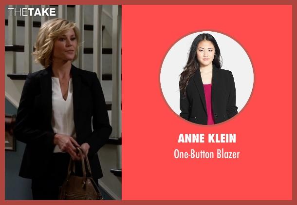 Anne Klein black blazer from Modern Family seen with Claire Dunphy (Julie Bowen)