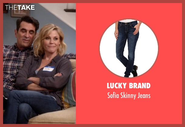 Lucky Brand blue jeans from Modern Family seen with Claire Dunphy (Julie Bowen)