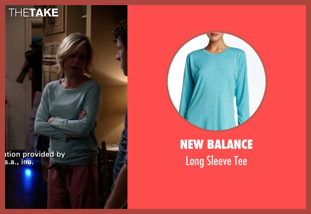 New Balance blue tee from Modern Family seen with Claire Dunphy (Julie Bowen)