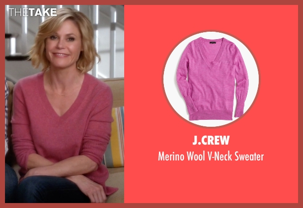 J.Crew pink sweater from Modern Family seen with Claire Dunphy (Julie Bowen)
